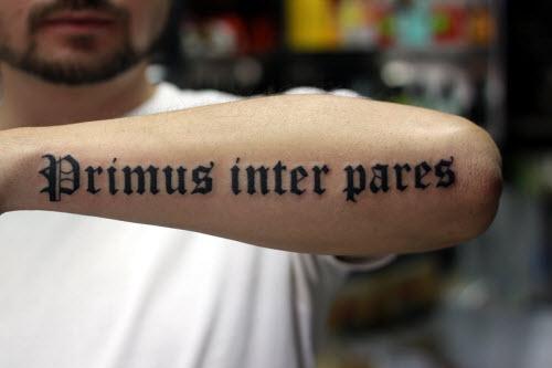 Человек сам творец своей судьбы на латыни тату фото - 2