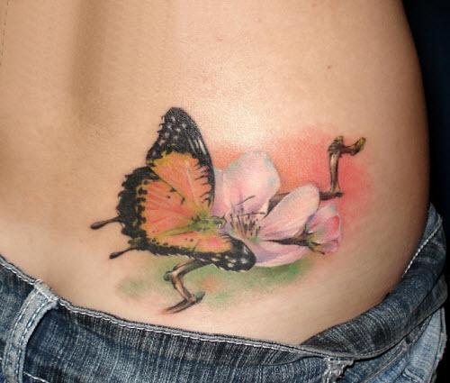 Фото тату бабочка с цветком - 1