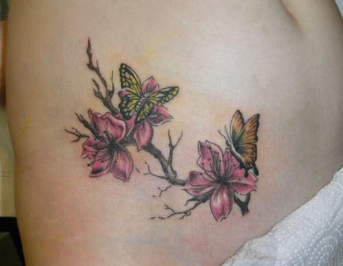 Фото тату бабочка с цветком - 5
