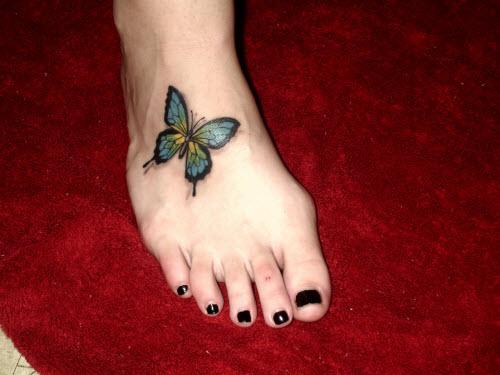 Фото тату бабочки 3д на ноге
