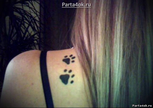 Фото тату кошачьи лапки на шее - 1
