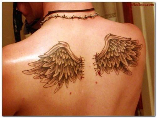 Фото тату маленьких крыльев на спине - 1