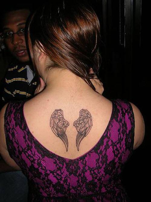 Фото тату маленьких крыльев на спине - 2