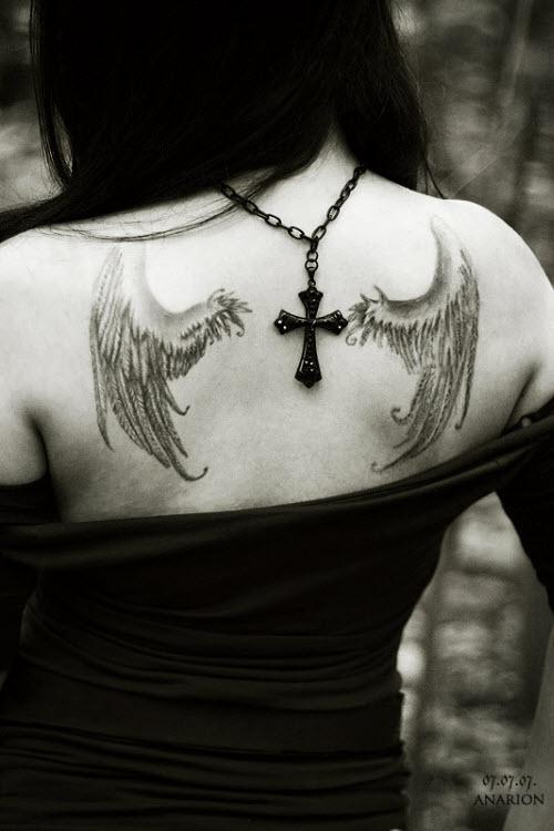 Фото тату маленьких крыльев на спине - 5