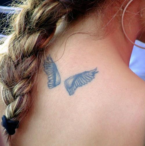 Фото тату маленьких крыльев на спине - 9