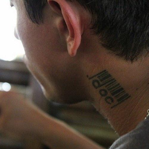 Фото тату на шее мужские пистолет - 0