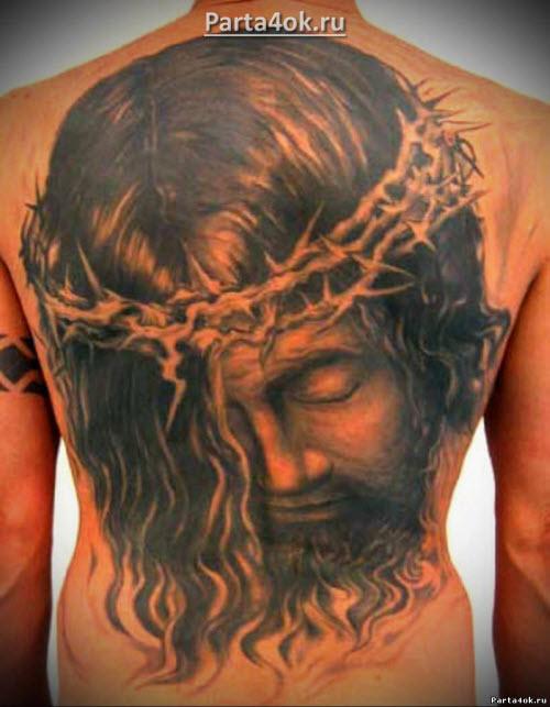 Фото тату распятие христа на спине - 3