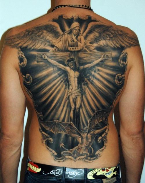 Фото тату распятие христа на спине - 4