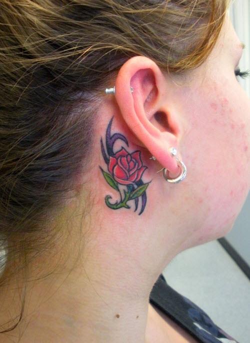 Фото тату роза за ухом - 2