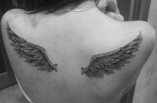 Фото тату с крыльями ангела на поясницу - 7
