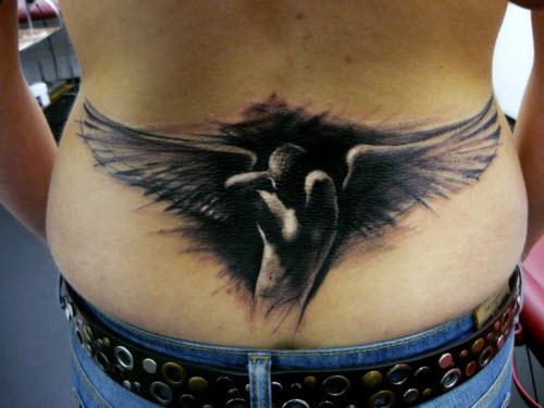Фото тату с крыльями ангела на поясницу - 9