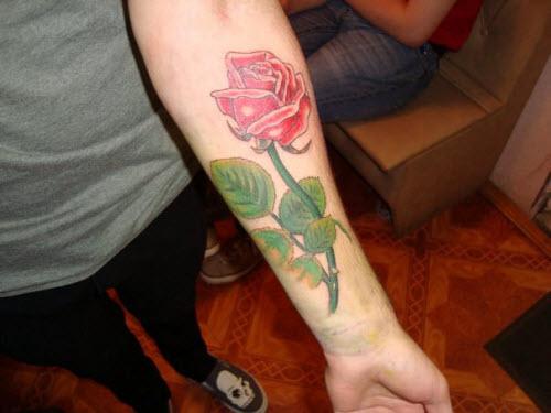 Фото тату с розой на руке - 4