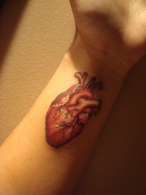 Фото тату сердце на запястье - 1