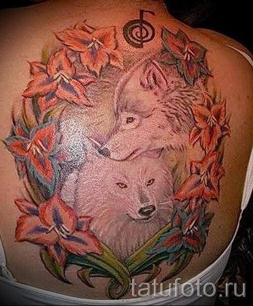 Фото тату волк с узорами - 4