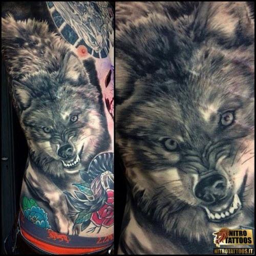 Фото тату волка на животе - 5