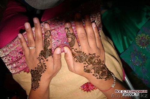 Индийское тату хной на руке фото