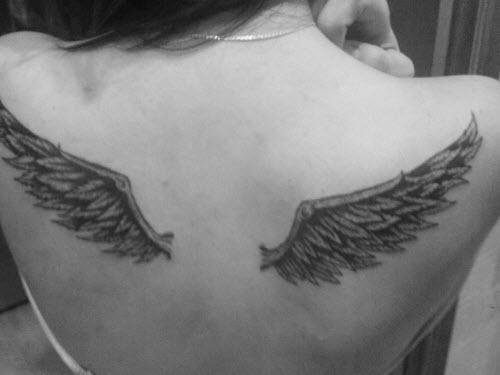 Женские тату на спине крылья фото - 2