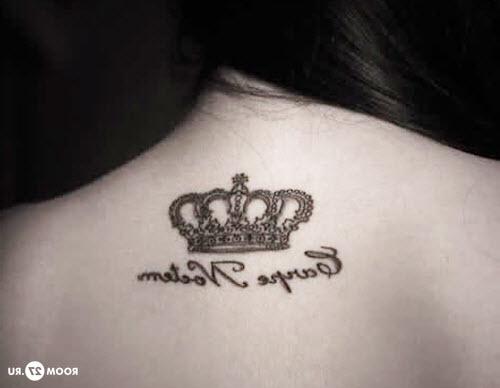 Красивые тату надписи на спине фото - 3