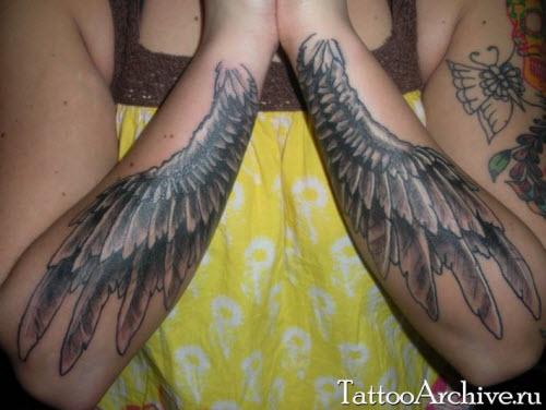 Крылья ангела тату фото на руке