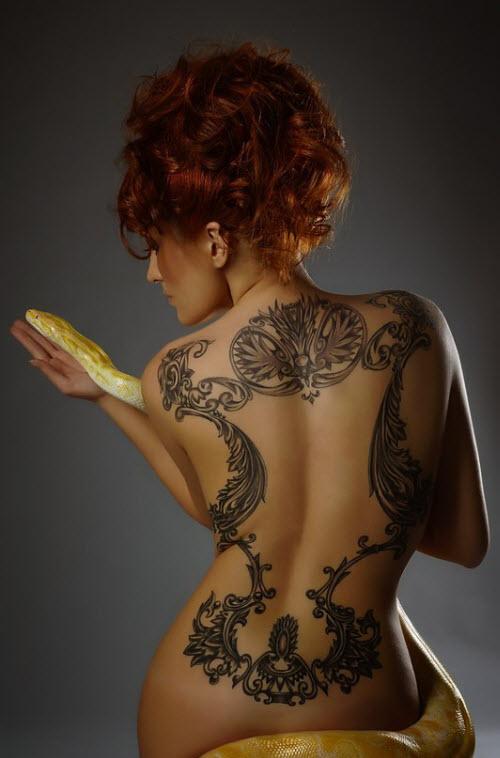 Лучшие женские тату на пояснице фото - 2