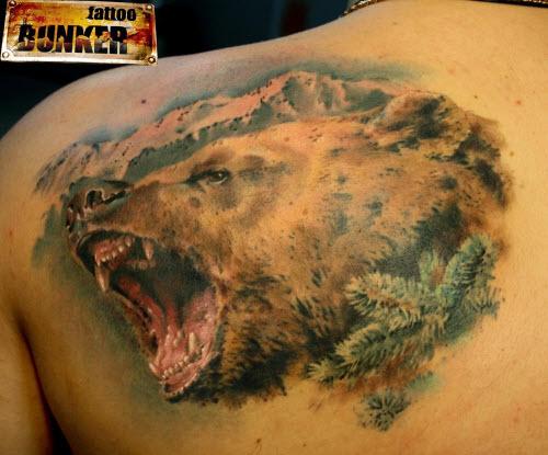 Медведь во всю спину тату фото - 1
