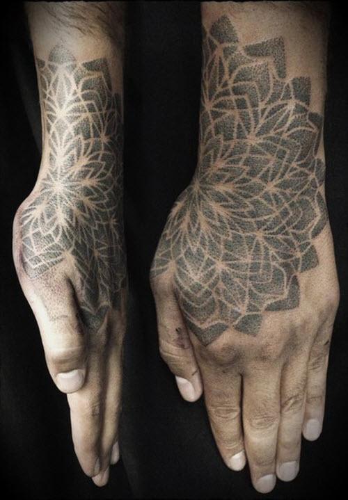 Мужское тату на кисти руки фото - 9