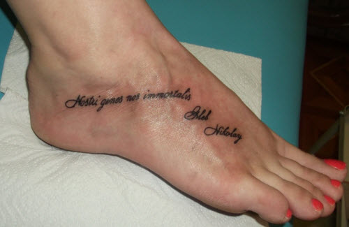 Надписи для тату на ноге фото - 5
