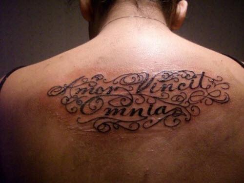 Одна жизнь одна любовь тату на латыни фото на руку - 7