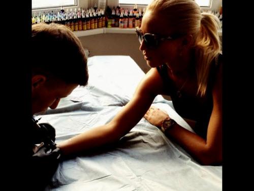Ольга бузова тату на спине фото