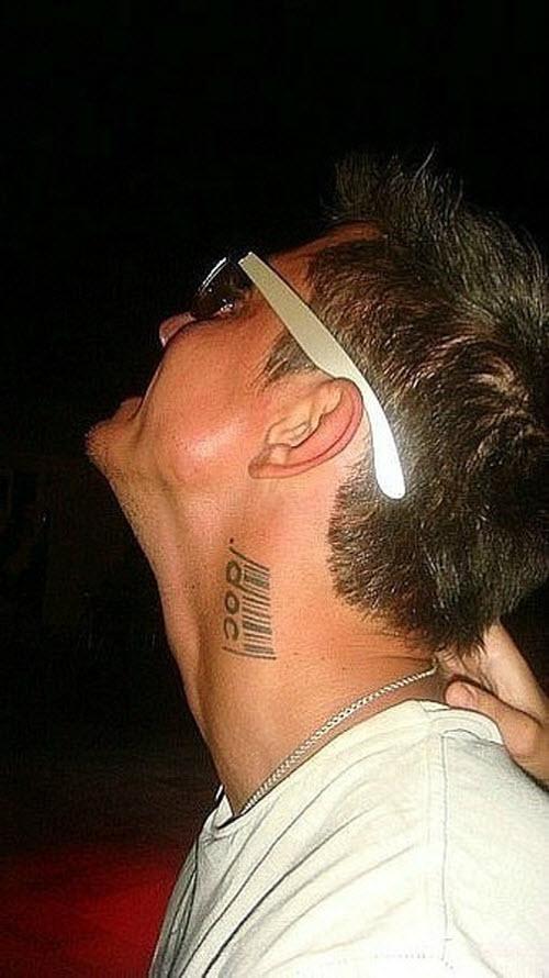 Павел прилучный тату на шее фото - 2