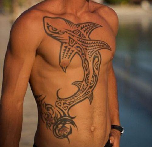 Тату акула на груди фото - 2
