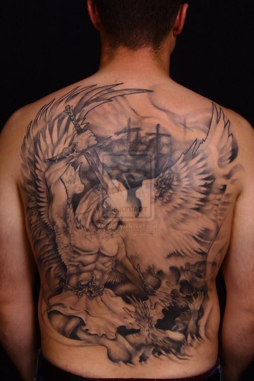 Тату архангела михаила на спине фото - 4