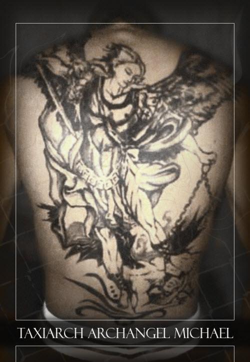 Тату архангела михаила на спине фото - 6