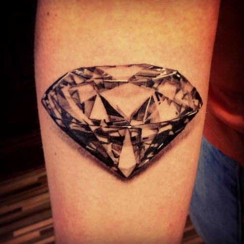 Тату бриллиант на предплечье женская фото - 1
