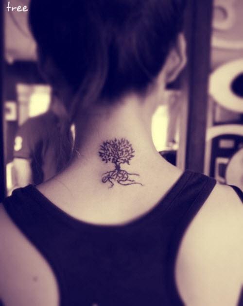 Тату дерево в треугольнике фото у женщин - 5