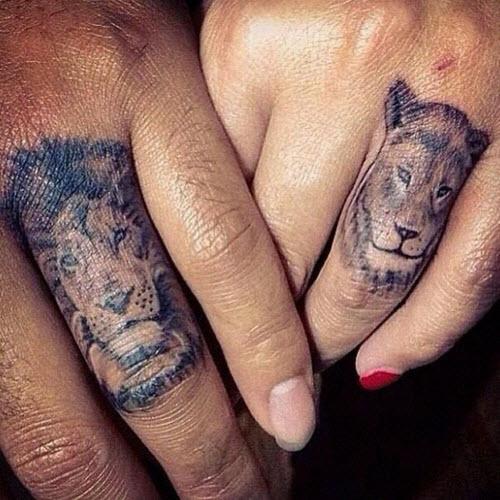 Тату для пары фото львы на пальцах - 5