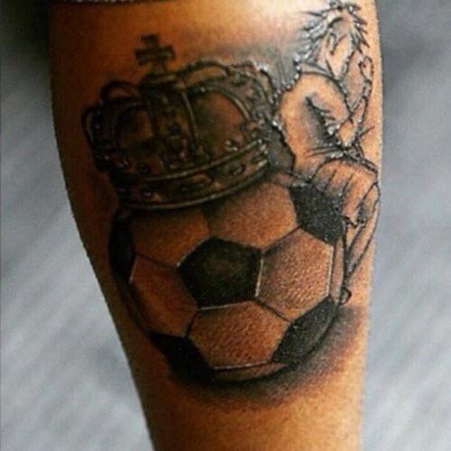 Тату футбольный мяч на ноге фото - 5