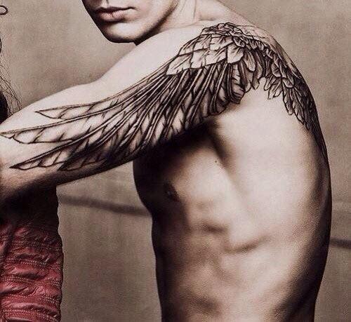Тату крылья мужские фото