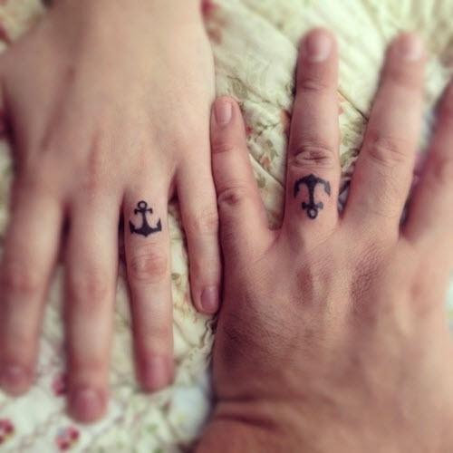 Тату на пальце кольцо фото - 4
