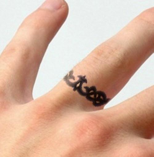 Тату на пальце кольцо фото - 5