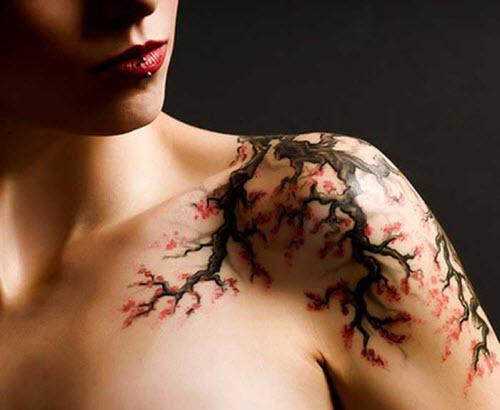 Тату на плече женские сакура фото - 5