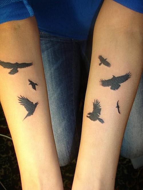 Тату на руке с птичками фото - 7