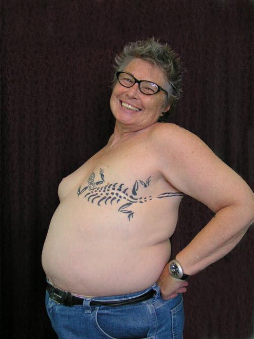 Тату на шрам под грудью фото - 0
