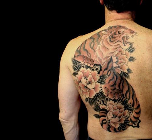 Тату на спине тигр все фото - 7