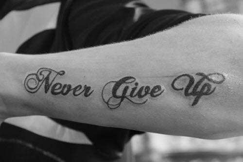 Тату надпись никогда не сдавайся фото - 6