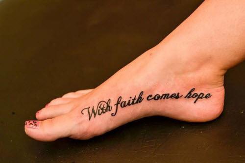 Тату надписи на ноге женские фото - 5