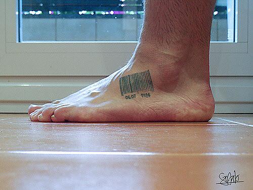 Тату штрих код на ноге фото - 4