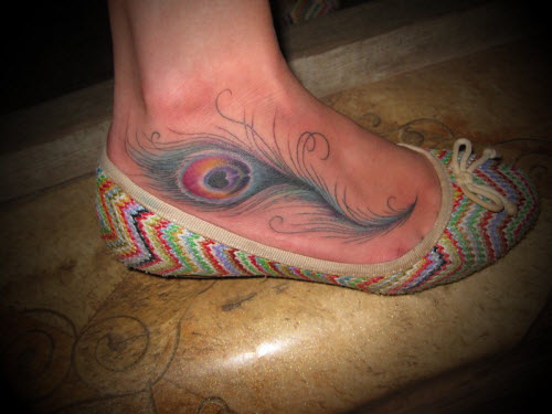 Цветное тату на стопе фото - 2